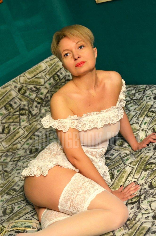 prostitutki-m-polezhaevskaya-russkie-zheni-izmenyayut-v-popu